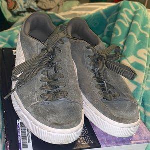 Grey Suede pumas